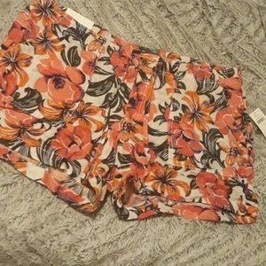 NWT Gap linen blend shorts
